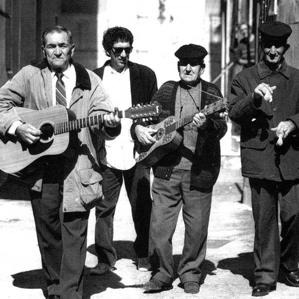 """Dai """"Cafoni"""" al Gospel... La tarantella del Gargano resiste al tempo ...(di  Maurizio Varriano) - Quarta Dimensione"""